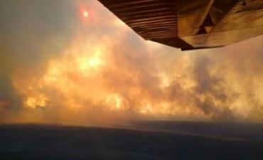 Incendios imparables en La Pampa: Macri sobrevoló la zona de Mendoza