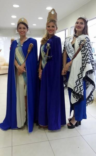 Embajadoras y Reinas  en la Fiesta de 25 de Mayo
