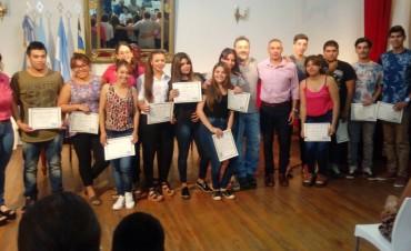 Victorica: Entrega de Certificados