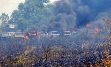Se quemaron decenas de autos que habían sido secuestrados en operativos de tránsito