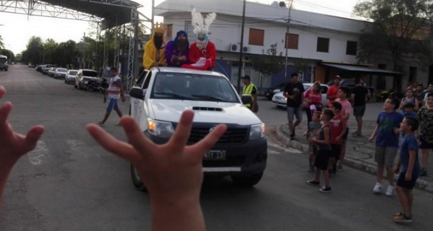LOS REYES MAGOS PASARON POR VICTORICA