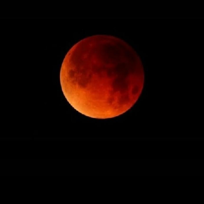 Victoriquense nos muestra su Luna de Sangre