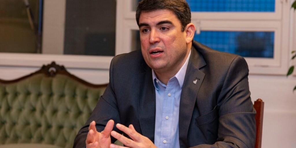 """""""Que los opositores se lo digan en la cara al personal de Salud"""" dijo molesto, Daniel Pablo Bensusán"""