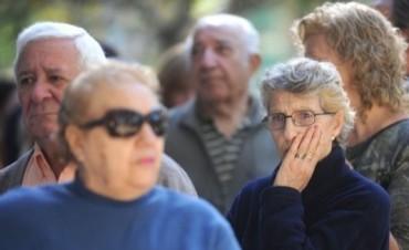 El próximo aumento de las jubilaciones y AUH será del 5,7 por ciento