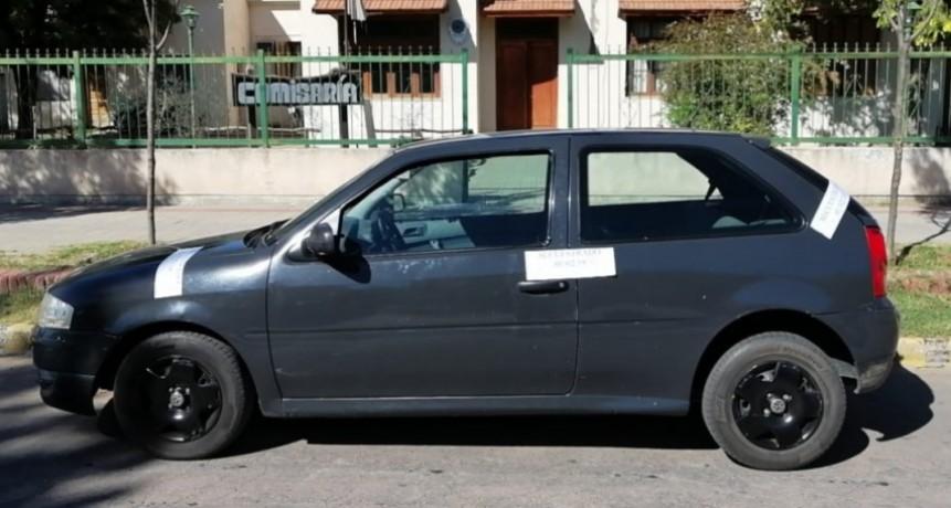 SECUESTRAN AUTO A MENOR HACIENDO PICADAS Y A LA MADRE LE REALIZAN INFRACCION