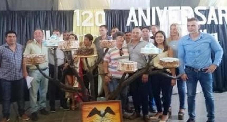 ALGARROBO DEL ÁGUILA FESTEJÓ SUS 120 AÑOS