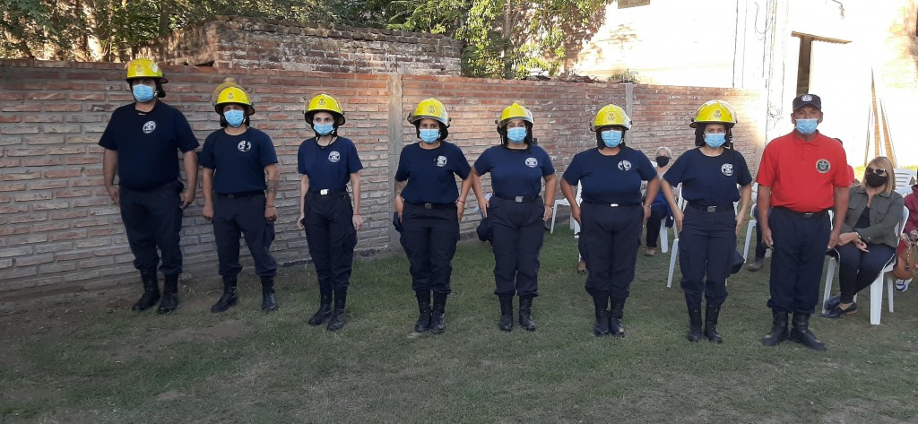 VICTORICA: SE REALIZÓ LA JURA DE 7 NUEVOS BOMBEROS