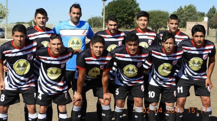 COPA CARRO QUEMADO: Cochico con pilcha nueva le ganó a Luan Toro y es finalista