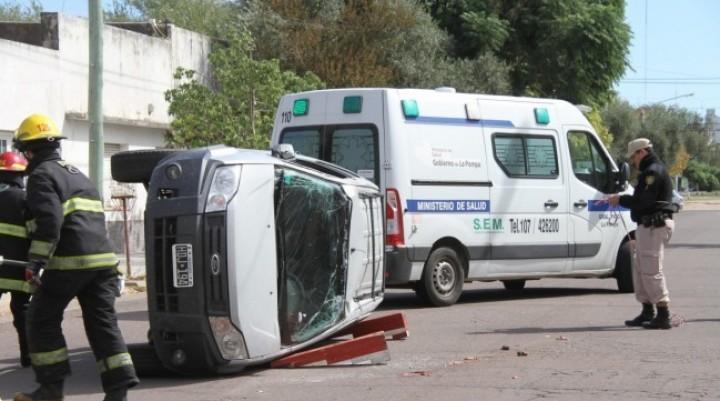 Tragedia en General Pico: Un muerto tras chocar dos vehículos en Barrio Este