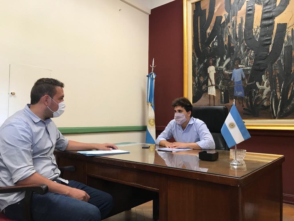 EL CONCEJAL DEL PJ DIEGO DIAZ REUNIDO CON MICKY VILLAGRA EN EL SENADO