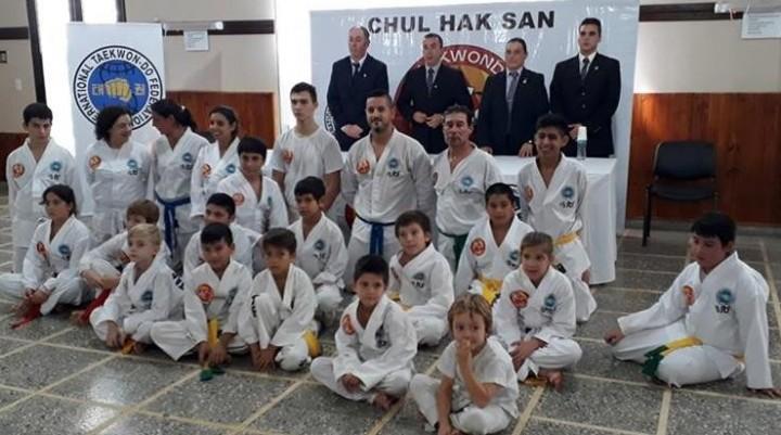 Taekwondo: examen de la Escuela  Chul Hak SaN