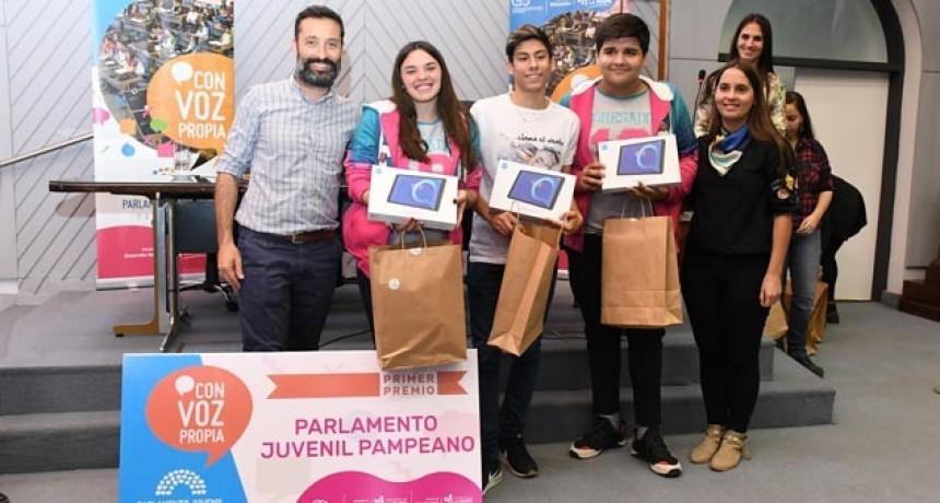 Más de 350 estudiantes Participaron del Parlamento Juvenil: Proyecto de Victorica fue el Ganador