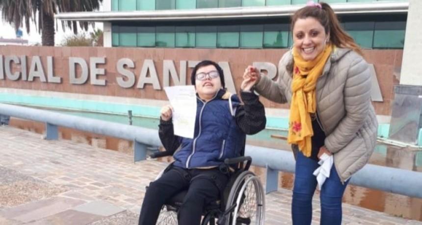 La Justicia le otorgó la tenencia de su hermano con discapacidad