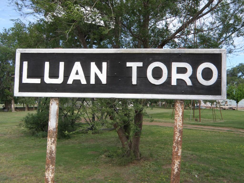 Alerta por brote de coronavirus en Luan Toro se suman más restricciones
