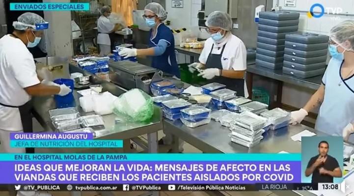 En el Hospital Lucio Molas mandan mensajes de afecto en las viandas que reciben los pacientes aislados por COVID-19 (video)