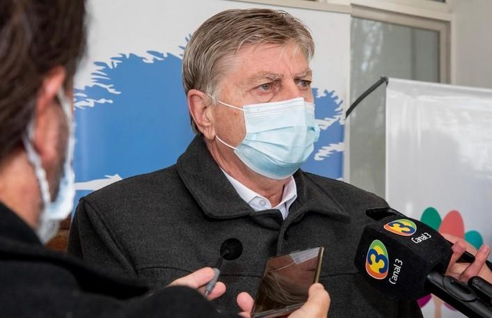 Si se cumplieran los protocolos, tendríamos la mitad de contagios que tenemos en la actualidad, afirmó el gobernador Sergio Ziliotto