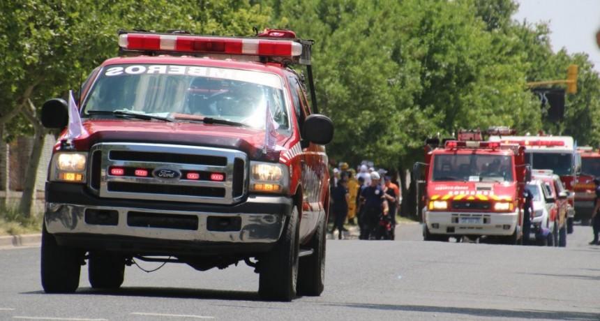 VICTORICA: LOS BOMBEROS SE OFRECEN PARA AYUDAR A DOCENTES CON LA DISTRIBUCION DE MATERIAL EDUCATIVO A LOS ALUMNOS