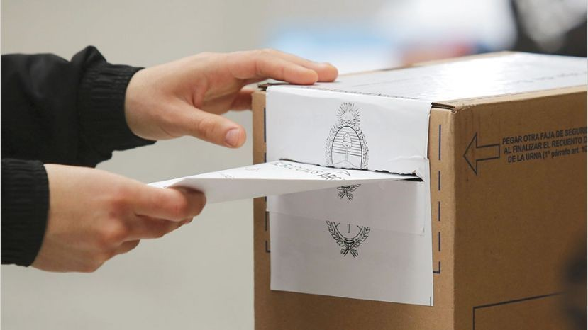 Ya pueden cobrar las autoridades de mesa de las elecciones del 19 de mayo