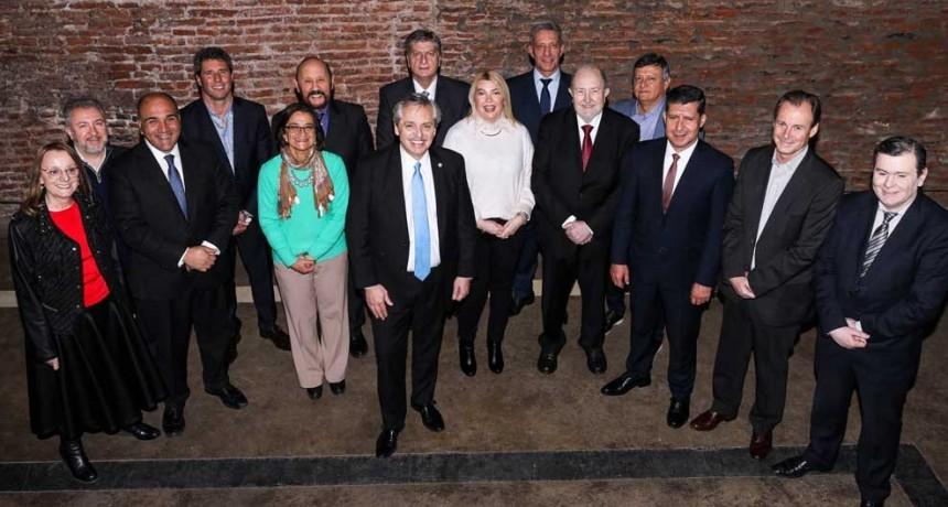 Hoy son 17 provincias alineadas y nos da orgullo haber marcado el rumbo con nuestro aporte», dijo el electo gobernador pampeano