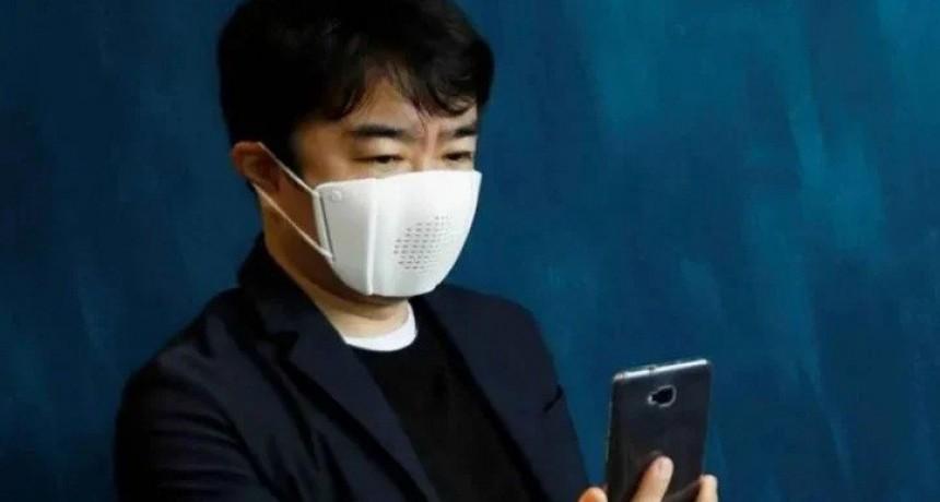 Se viene el tapabocas con bluetooth que manda WhatsApp y traduce a ocho idiomas
