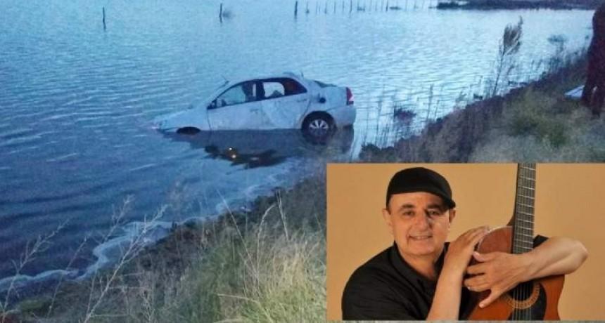 Claudio Nadal terminó con su auto dentro de una laguna