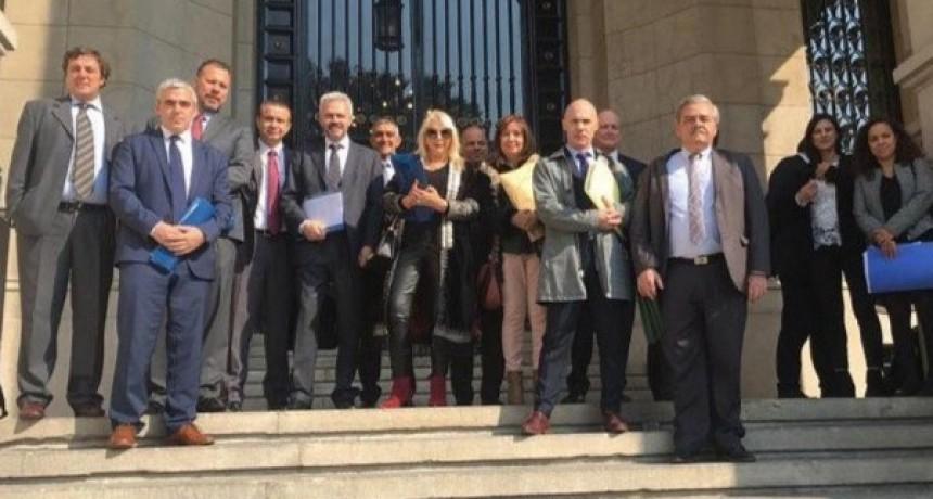 15 provincias, entre ellas La Pampa, presentaron ante la Corte Suprema el pedido de suspensión de medidas del gobierno nacional