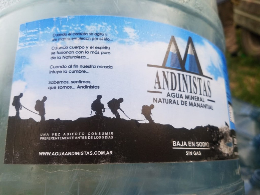 Prohiben la venta de agua mineral