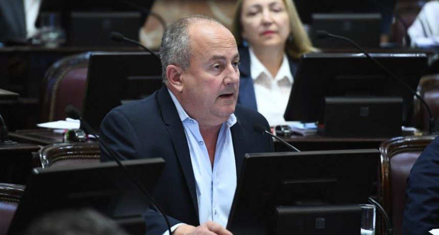 """Postes con wifi en rutas nacionales: """"Es un gran avance que atiende los casos más urgentes"""", destacó Marino"""