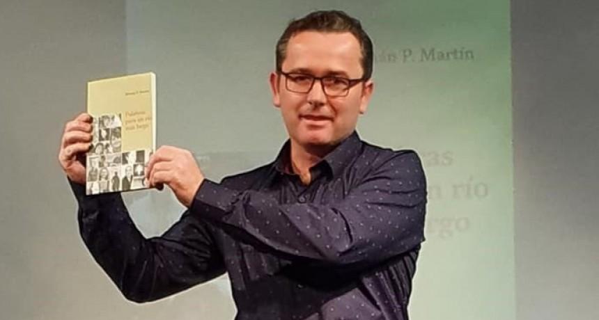 Hernan Martin presentó Palabras para un río mas largo
