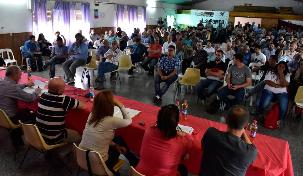 La UCR celebra una convención para definir su política de alianzas