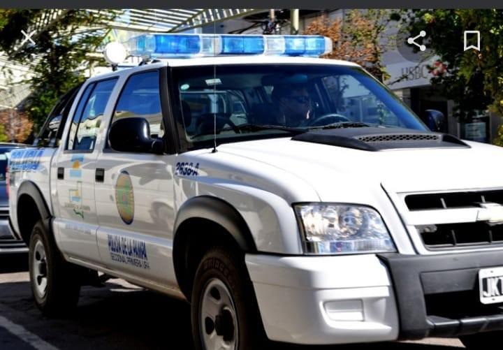 POLICIALES VICTORICA...ENCUENTRAN UN MAYOR DE EDAD SIN VIDA