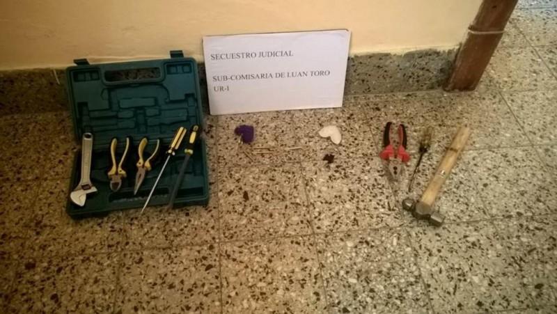 Rompen vidrio, sustraen herramientas  y otros elementos de Esc. de Luan Toro