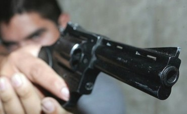 POLICIALES: gatillo 3 veces y el disparo no salió…