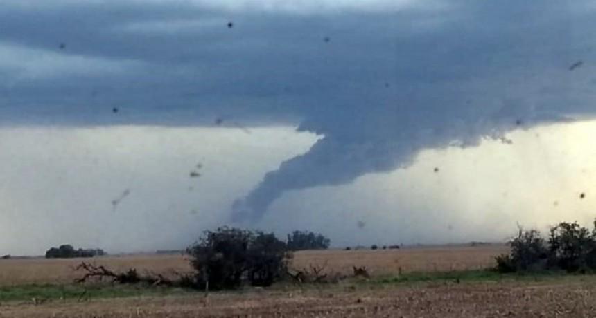Tornado en Quemú y granizo en Barón