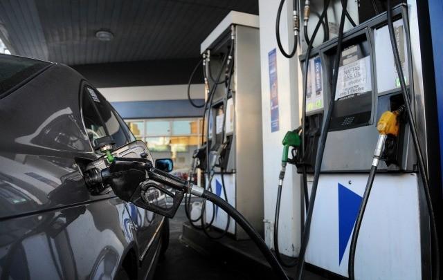 Otro golpe al bolsillo: Nuevo aumento del 6% en las naftas