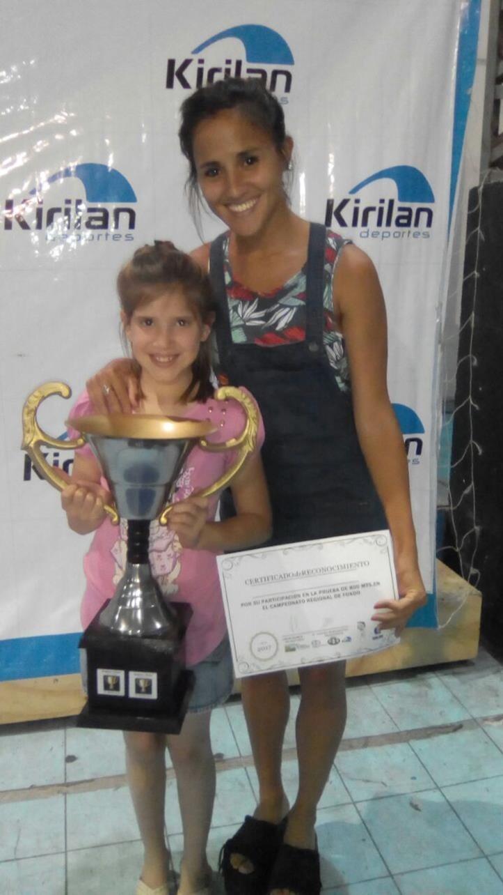 Carro Quemado: Escuela de Atletismo Municipal recibió premios