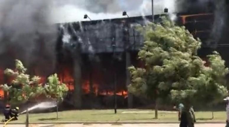 Se incendió en el mayorista Diarco de Pehuajó (video)
